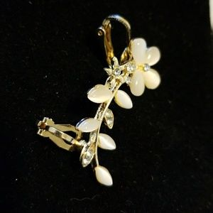 Jewelry - Ear cuff crawler earring pale pink gold & crystal